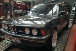 BMW E21 320/6 cylinder carburator model, retro rwd