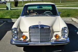 Mercedes-Benz: 200-Series SE