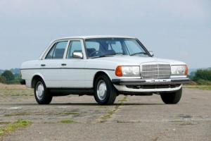 1985 Mercedes-Benz W123 230E Auto - 33k Miles From New - Superb - Rust-Free
