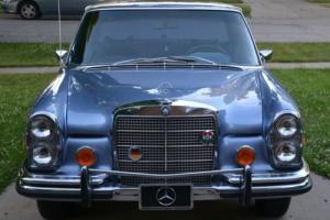 1972 Mercedes-Benz 200-Series 280