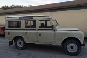 1976 Land Rover Defender Photo