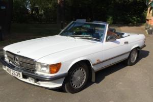 MERCEDES 300 SL AUTO WHITE,BEAUTIFUL CONDTION, HARD AND SOFT TOP, DRIVES LOVELY