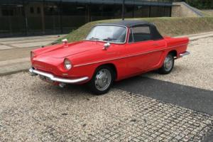 Renault Caravelle Photo