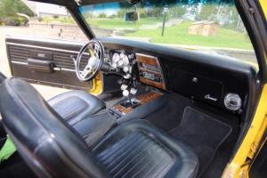 Chevrolet: Camaro Base