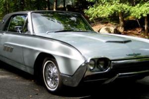 1963 Ford Thunderbird Photo