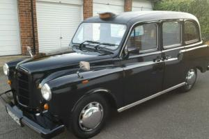 Carbodies Classic London Black Fairway Driver Taxi Cab- 1997