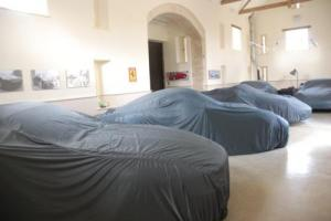 CAR STORAGE,FORD, JAGUAR, FERRARI, PORSCHE, ASTON MARTIN, MASERATI, ALFA ROMEO, Photo