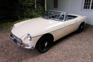 MGB Roadster Old English White