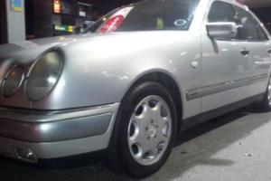 MERCEDES E280 AUTO V6 FOR SALE NOW! NOW HAS 12 MONTH MOT! 124 210 W SE C 220 23