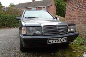 1988 Mercedes 190e 2.6 Photo