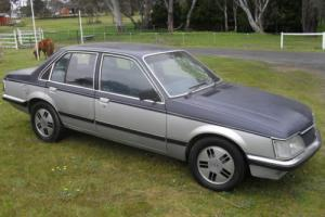 VH Commodore SLE Factory Shadow Tone 4 2LT V8 CAR Suit VB VC HDT Brock Buyer in VIC