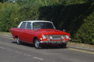 FORD ZEPHYR MK3 1965 RED/GREY