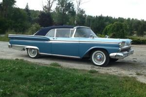 Ford: Fairlane 2 door