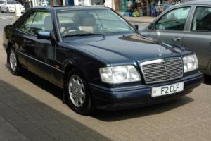 Mercedes-Benz E220 2.2 auto E220 Photo