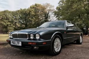 **STUNNING DAIMLER DOUBLE SIX UK REGISTERED**