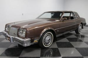 1984 Buick Riviera Photo