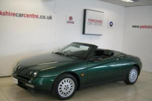 Alfa Romeo Spider 2.0 16v T. Spark Photo
