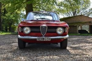 Alfa Romeo Giulia Sprint GT Veloce RHD Photo