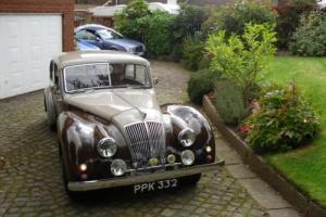 AC 1951 BROWN/GREY SALOON :CLASSIC CAR