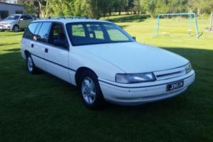 holden VN commodore 5lt wagon