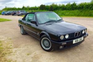 Black Schwarz BMW 320i 1992 E30 Convertible