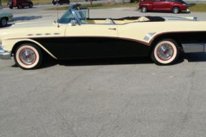 1957 Buick Roadmaster Photo