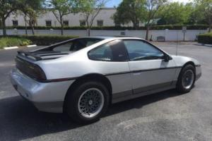 1987 Pontiac Fiero COUPE