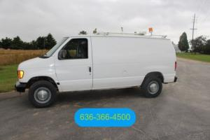 2004 Ford E-Series Van Commercial