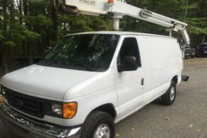 2004 Ford E-Series Van XL