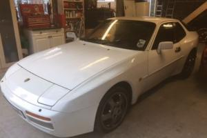 Porsche 944 Turbo for light restoration