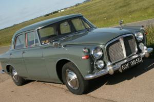 Excellent 1965 Rover 3 Litre saloon
