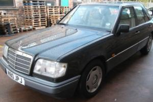 1995 MERCEDES w124  E280 AUTO,5 SPEED,BLACK,FSH,12 MONTHS M.O.T,LEATHER,2 OWNERS