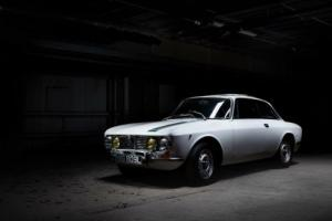 Alfa Romeo 2000 GTV. Well-sorted reliable 1972 Bertone GT Veloce. RELISTED Photo