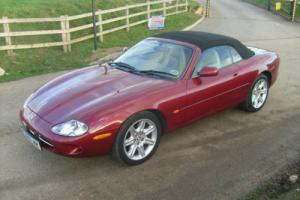 Jaguar XK8 Convertible  4.0 V8  ( 1999 ) Photo