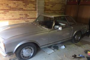 Mercedes SL 280 Barn Find Photo