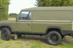 Military Land rover Defender / 110 Photo