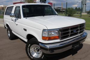 1995 Ford Bronco XLT 2dr 4WD SUV