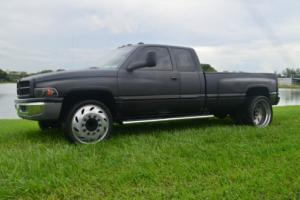 2001 Dodge Ram 3500 SLT LARAMIE Photo