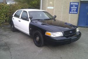 Ford Crown Victoria P71 Police Interceptor Photo