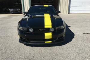 2014 Ford Mustang Hertz Penske Photo