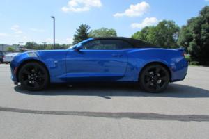 2017 Chevrolet Camaro 2dr Convertible SS w/2SS