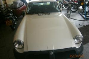 1976 MG B GT V8 WHITE