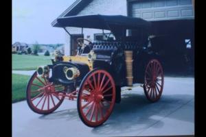 1907 International high wheeler auto buggy Turing sedan Auto buggy stage coach Turing sedan auto buggy high wheeler