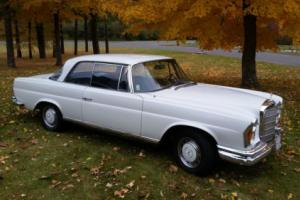1967 Mercedes-Benz 200-Series 280SE