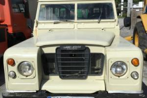 1976 Land Rover Defender