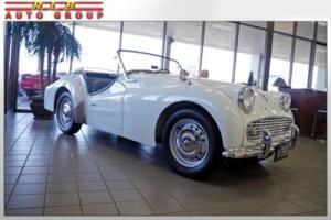 1960 Triumph TR3 Convertible Photo