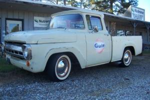 1957 Ford F-100 CUSTOM CAB