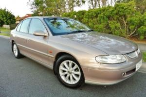 1998 HOLDEN VT CALAIS V6 AUTOMATIC DUAL FUEL. Low K's, Leather, Books.