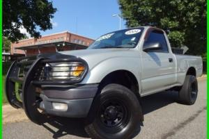 2004 Toyota Tacoma CLEAN CARFAX WE FINANCE TRADES WELCOME