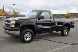 2004 Chevrolet Silverado 2500 HD 4X4 LS 2Dr Reg Cab L Bed LOW MI ONLY 80K